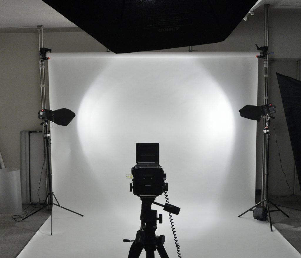 アパレル撮影のスタジオの様子